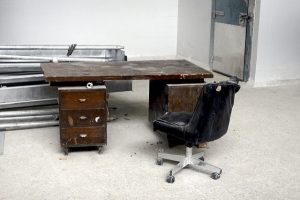 Recession desk